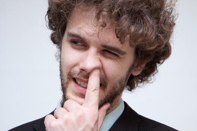 鼻くそを食べるのは本能なの?超意外な5つのワケまとめ!